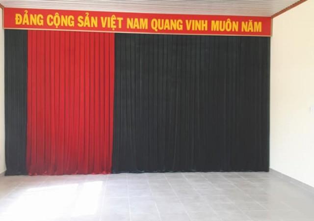 Phông hội trường, Rèm vải nhung sân khấu